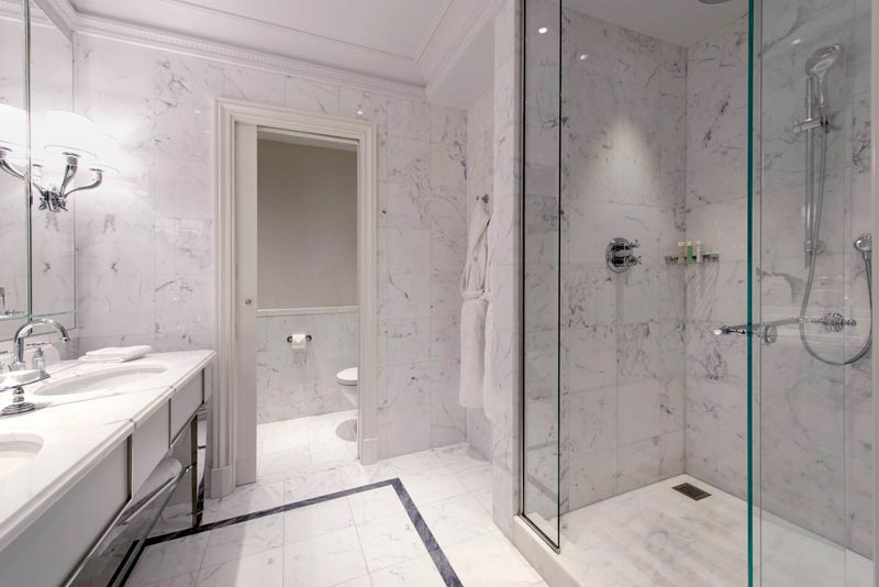 Pavimentazione, scale e rivestimenti, caminetti in pietra, marmo e granito per area Living